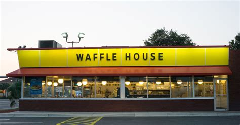 Where Can You Buy Waffle House Gift Cards - waffle house waitress finally gets her 1 000 tip