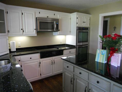 Contrasting Kitchen Cabinets Contrasting Kitchen Cabinets Axiomseducation