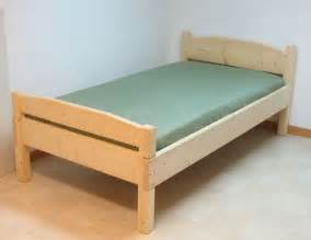 Simple Bed Frame Designs Free Easy To Build Bed Plans 187 Curbly Diy Design Decor