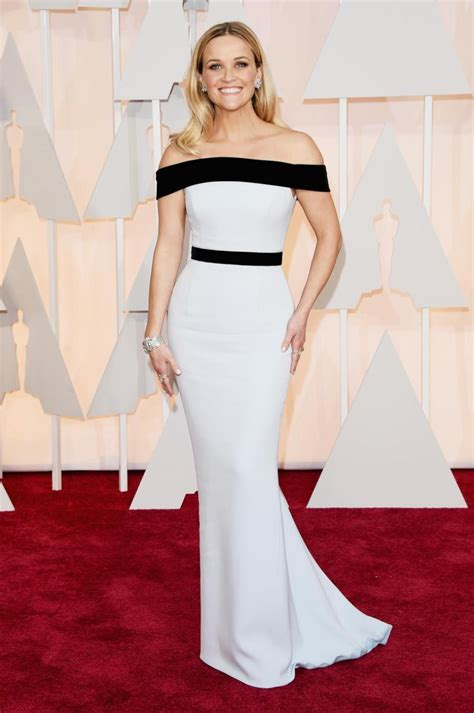 Oscars More Dress News by Reese Witherspoon S 2015 Oscars Dress Looks Familiar