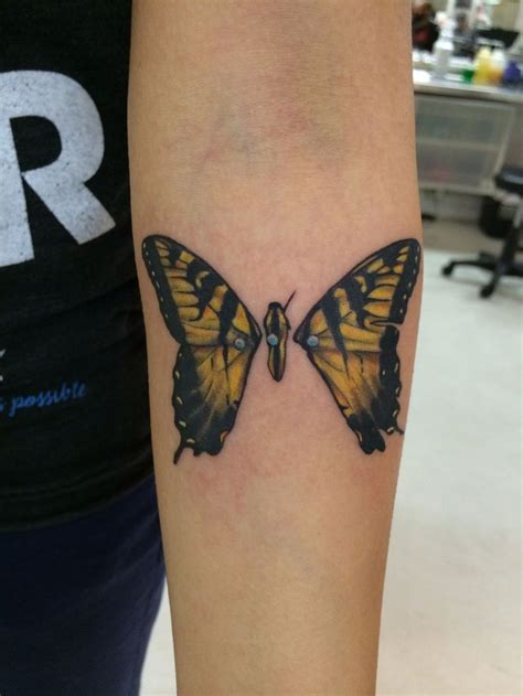 brand tattoo designs 17 best ideas about paramore on