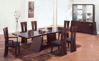 Modern Dining Rooms Sets by Attractive Decor With A Modern Dining Room Sets