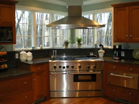 the benefits of corner kitchen cabinets home ideas design the benefits of corner kitchen cabinets home ideas design