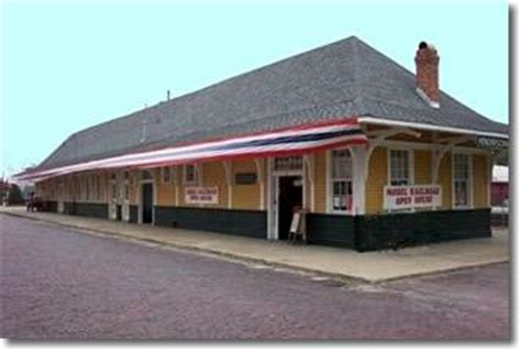 historic downtown hendersonville nc depot