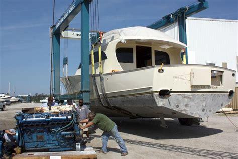 bay marine boat works service repair jarrett bay boatworks