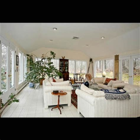 jennifer lopez house jennifer lopez colonial long island home celebrity houses