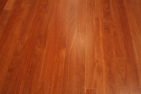 Which Is Better Fpor Hardwood Flooring Maple Or Oak - which wood is harder oak or maple ehow