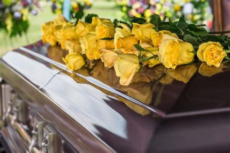 catholic funeral traditions guide to honoring catholic funeral and burial traditions