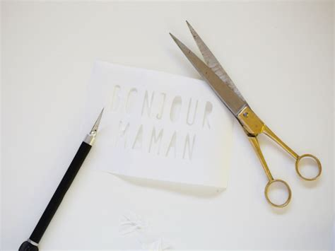 Paper And Scissors Crafts - how to stencil fabric using freezer paper to make custom