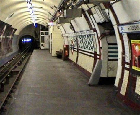 What Zone Is Covent Garden In - holborn underground station london