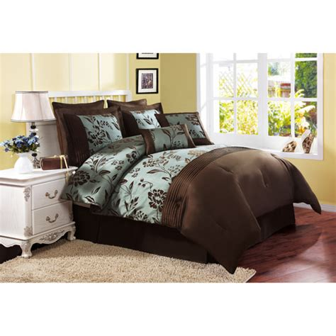victoria classics comforter find the victoria classics aurora 8 piece bed in a bag
