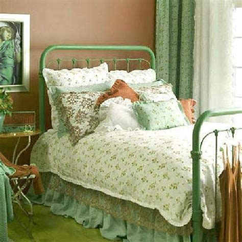 green country bedroom peach green country cottage bedroom decorating ideas
