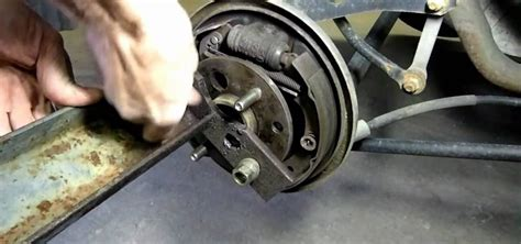 how to replace rear wheel bearing in a 1997 chrysler lhs how to remove a bolted hub wheel bearing 171 auto maintenance repairs wonderhowto