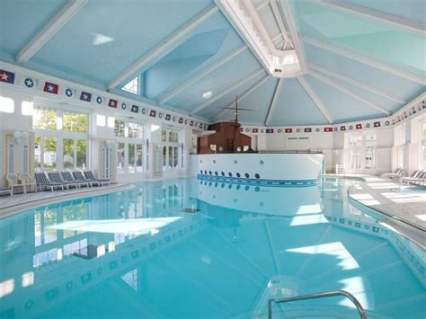 imagenes del hotel newport miami 29 best images about disneyland paris on pinterest