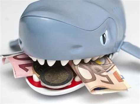kreditkarte mit geld drauf ohne schufa kredithaie vermittler mit dubiosen versprechen finanz