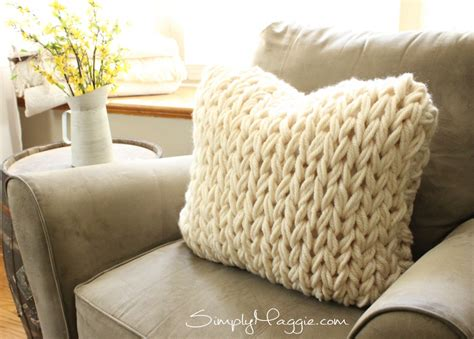 knit pillow big stitch knit pillow pattern simplymaggie