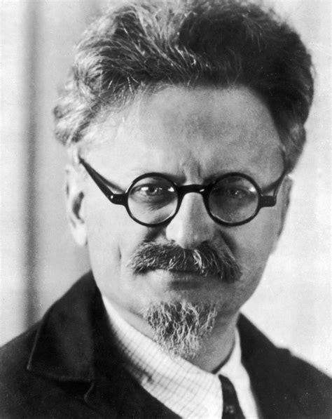 leadership biography exle trotsky leon biography