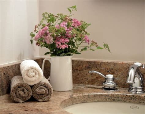 home staging tips bathroom staging tips best 25 home staging tips ideas on pinterest house staging ideas homes for sell