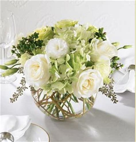 delicacy centerpiece for wedding with white and light