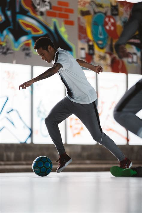 Nike Sb10 Putih Football nike presents the neymar jr mixtape a soundtrack for football nike news
