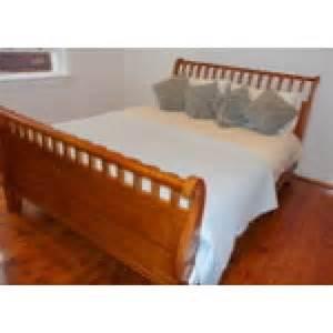 queen size sleigh bed queen size half rail sleigh bed