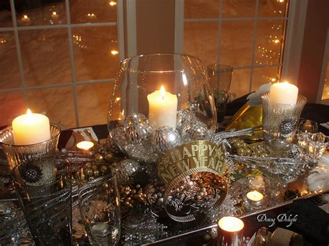 new year s centerpieces here are 12 ways to use mirrors to decorate your holidays