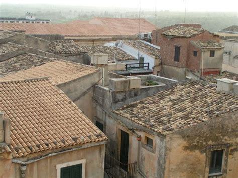 dachziegel mönch und nonne geneigtes dach glossar a z baunetz wissen
