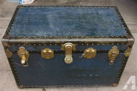 for sale great steamer trunk blue large 90 years