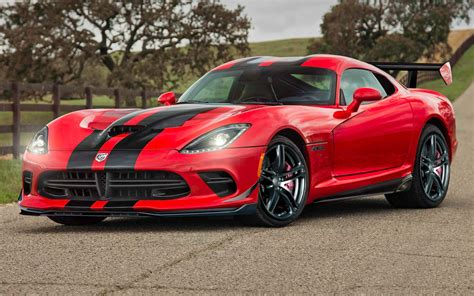 dodge viper corvette beware srt viper acr may debut in calendar year 2014