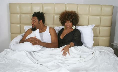 how to please your man in the bedroom ladies see how to win his heart in the bedroom