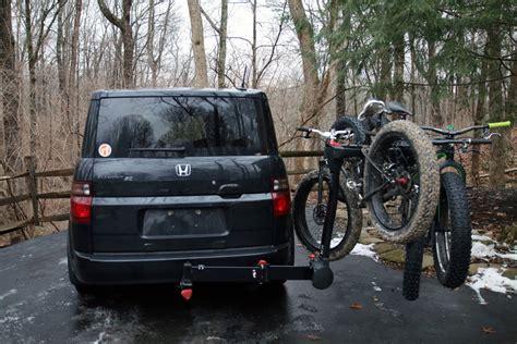 Swing Out Bike Rack by Review Yakima Fullswing 4 Bike Hitch Mast Rack Bikerumor