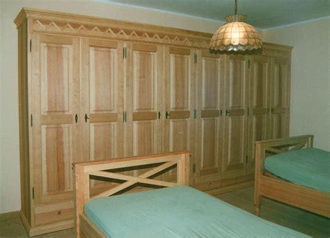 kleiderschrank qualität designer schlafzimmer betten
