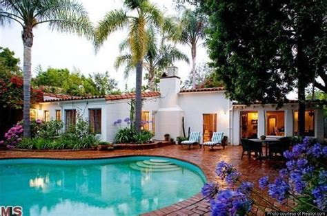 brentwood home a peek at marilyn monroe s last home a spanish style