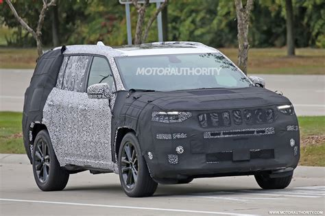 jeep wagoneer 2019 2019 jeep 3 row suv yuntu spy shots