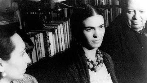 a e biography frida kahlo frida kahlo biography medical mystery controversial