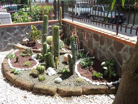 Giardini Con Sassi by Giardini Con Sassi Colorati Giardini Con Aiuole Aiuole Da