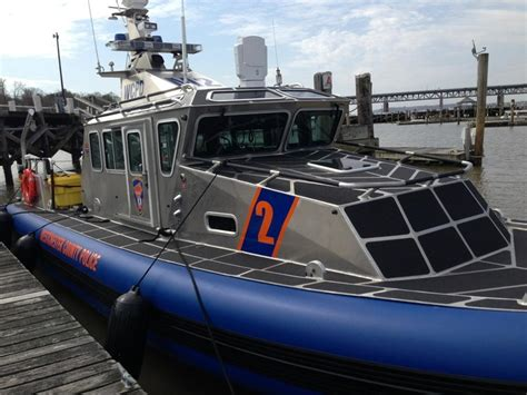 safe boats international 25 defender class 67 best images about police patrol boats on pinterest