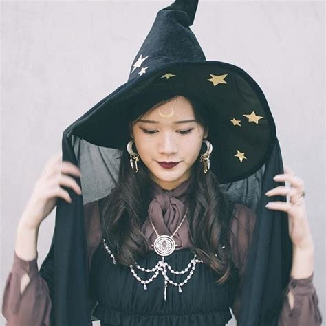 simple witch halloween costume ideas   black dress