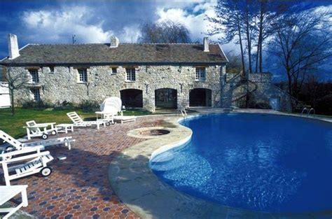 Claudy Resto claude francois danemois resto piscine