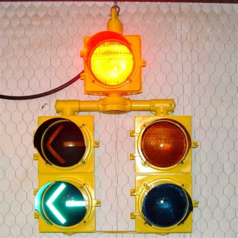 dog house light marbelite 5 light dog house traffic signal