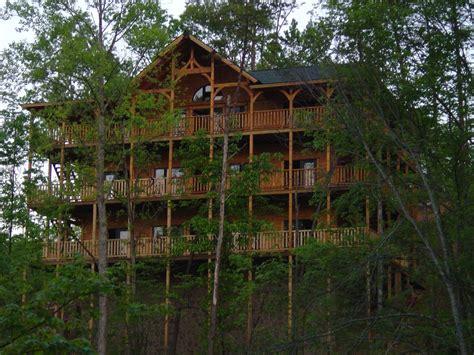 Parkview Cabins Gatlinburg Tn pigeon forge cabin parkview mansion 9 bedroom sleeps 27