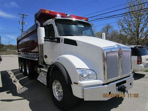 kenworth trucks 2016 2016 kenworth t880 dump trucks for sale 17 used trucks