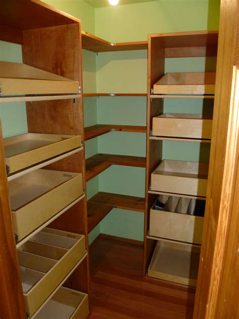 Your Greenbrier Walk In Pantry Storage will Improve with