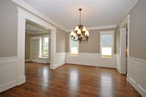 Rooms With Wainscoting by This Wainscoting And Moldings In White With