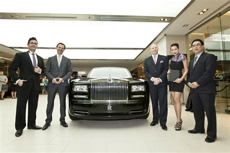 roll royce thailand rolls royce motor cars launches first boutique showroom