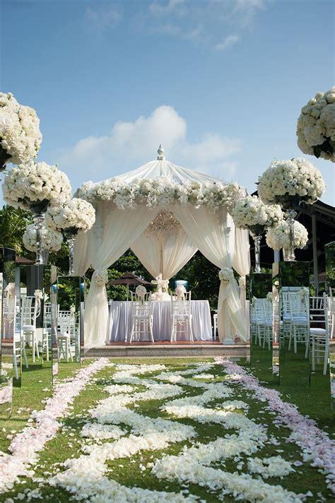 Pergola Wedding Decor by Best 25 Wedding Gazebo Ideas On Gazebo