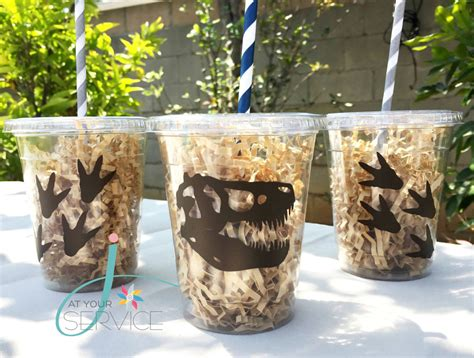 Dinosaurs Decorations by Dinosaur Ideas By A Professional Planner