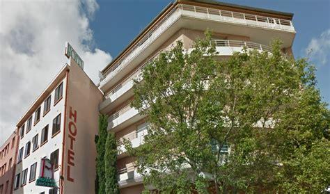 hotel a toulouse avec dans la chambre toulouse deux femmes ligot 233 es dans une chambre d h 244 tel 224 toulouse leur agresseur en fuite