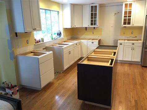 yorktown kitchen cabinets yorktowne cabinets iconic series mf cabinets