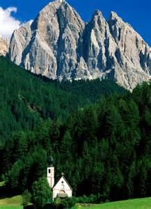 dolomite mountains dolomite mountains italy c est beau la vie pinterest